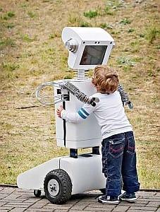 TwójRobot.pl to połączenie informatyki, budowania robotów i świetnej zabawy.